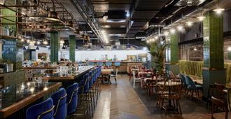 Max Brown 7th District - וינה - מסעדה