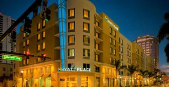 Hyatt Place West Palm Beach Downtown - ווסט פאלם ביץ' - בניין