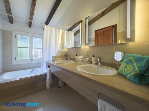 Protur Residencia Son Floriana - Cala Bona - Bathroom