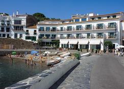 Hotel Playa Sol - Cadaques - Building