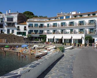 Hotel Playa Sol - Cadaqués - Gebäude