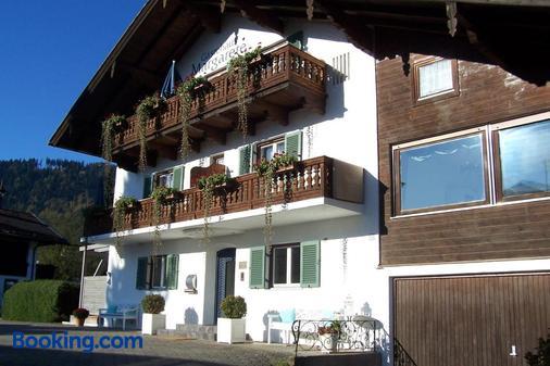 Gästehaus Margarete - Bad Wiessee - Building