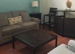 Very Low Density Private Beach Ocean-Front Villa 100 Steps To Ocean - Rincon - Living room