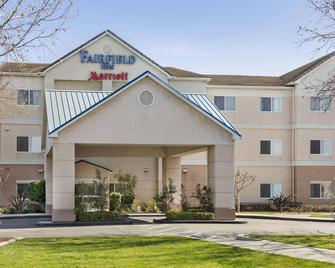 Fairfield Inn by Marriott Tracy - Tracy - Building