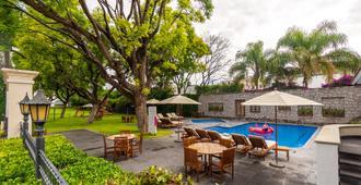 Hotel Flamingo Inn - Querétaro - Piscina