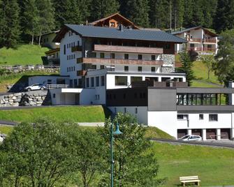 Hotel Silvretta - Sankt Gallenkirch - Gebouw