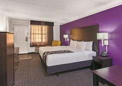 La Quinta Inn Fresno Yosemite - Fresno - Phòng ngủ