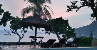 Four Seasons Seaview Hotel - El Nido - Pool