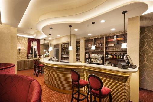 Hotel Dvorana - Κάρλοβυ Βάρυ - Bar