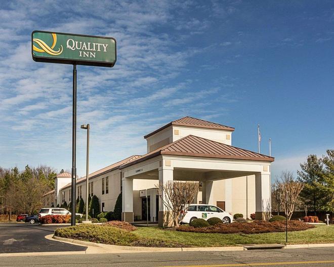 Quality Inn Richmond Airport - Sandston - Κτίριο