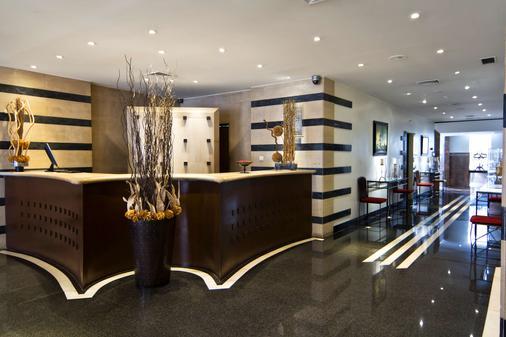 SANA Executive Hotel - Lisbon - Front desk