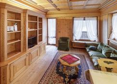 Villa Pocol - Stayincortina - Cortina d'Ampezzo - Living room