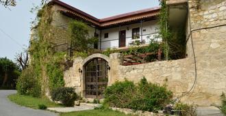 Vasilias Nikoklis Inn - Paphos - Building