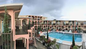 San Marina Motel - Daytona Beach - Πισίνα