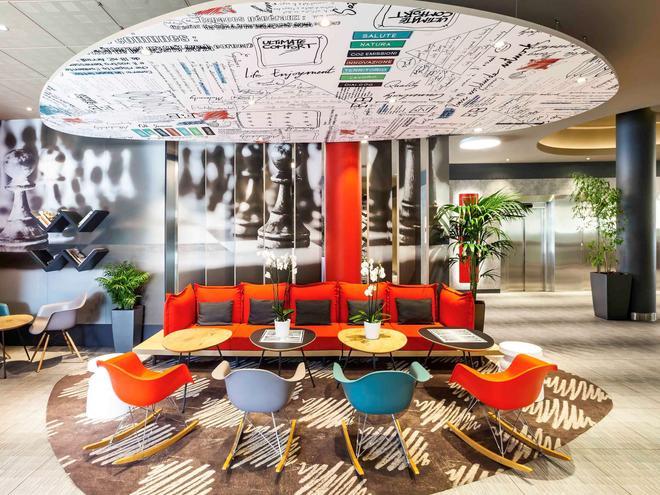 ibis Madrid Aeropuerto Barajas - Madrid - Lounge