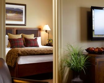 Green Mountain Suites Hotel - South Burlington - Schlafzimmer