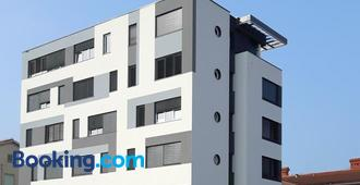 Hostel Villa Domus - Koper - Edificio