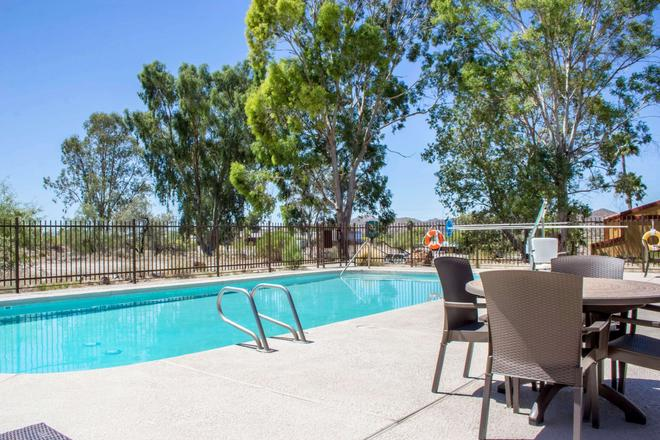 Quality Inn Wickenburg - Wickenburg - Pool
