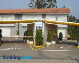 Motel Trebol - Tuy - Gebouw