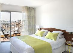 Hotel Abrial - Cannes - Bedroom
