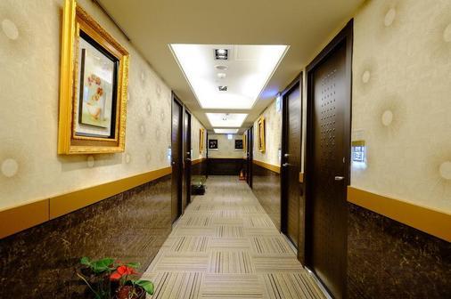If Inn - Taipei - Hallway