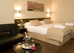 戶撒阿巴德聖安東尼奧酒店 - 里昂 - 萊昂 - 臥室