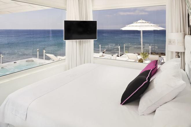 Lani´s Suites De Luxe - Adults Only - Puerto del Carmen - Makuuhuone