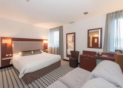 Kyriad Limoges Centre - Gare - Atrium - Limoges - Bedroom
