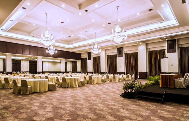 Royal Kuningan Hotel - South Jakarta - Banquet hall