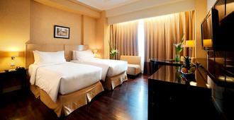 Royal Kuningan Hotel - South Jakarta - Bedroom