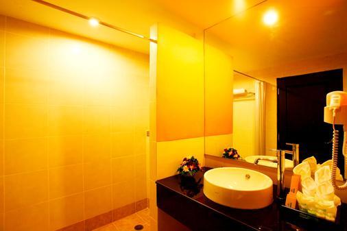 Andakira Hotel - Bãi biển Patong - Phòng tắm
