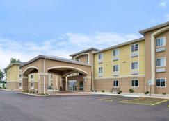 Comfort Inn and Suites Springfield - Springfield - Rakennus