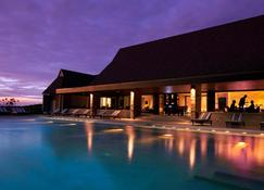 Intercontinental Fiji Golf Resort & Spa - Natadola - Piscina