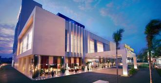 Atria Hotel Malang - Маланг
