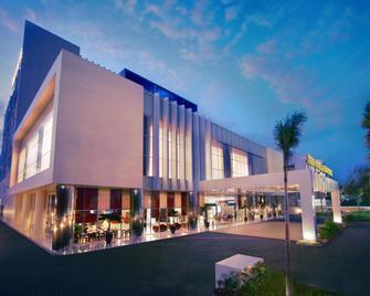 Atria Hotel Malang - Malang - Building