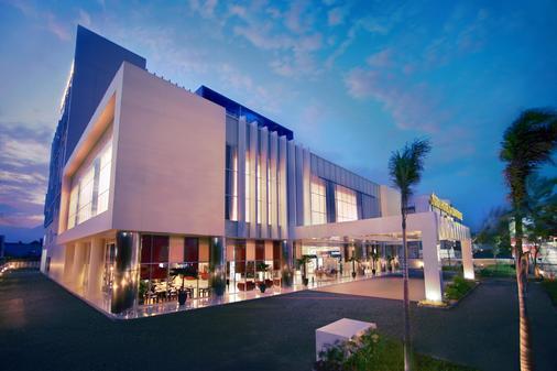 Atria Hotel Malang - Malang - Rakennus