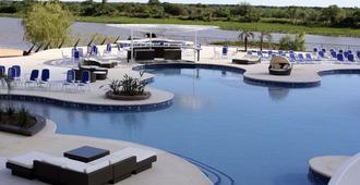 Resort Yacht Y Golf Club Paraguayo - Asunción - Piscina