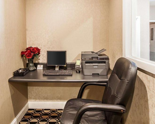 Quality Inn & Suites - Bremen - Business center