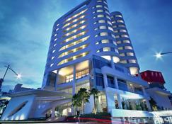 센사 호텔 바둥 - 반둥 - 건물