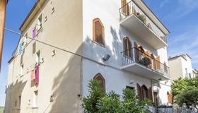 B&B Rose Villa - Peschici - Edificio