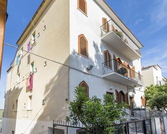 B&B Rose Villa - Peschici - Building