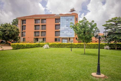 Tesh Hotel - Kireka - Building