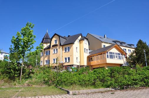 Schlossberghotel Oberhof - Oberhof - Building