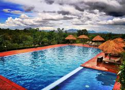 Memoria Palace And Resort - Pailin - Pool