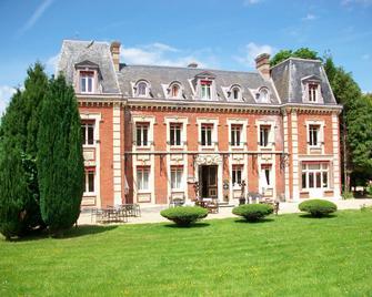 Chateau Corneille - Gaillon - Building