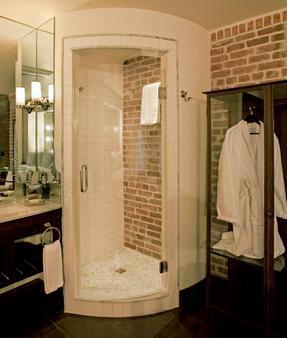 Granada Hotel & Bistro - San Luis Obispo - Bathroom
