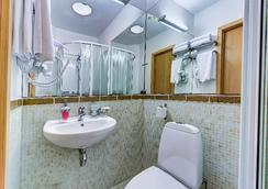Polikoff Business Hotel - Saint Petersburg - Bathroom