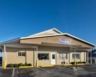 Travelodge by Wyndham Orangeburg - Orangeburg - Gebäude