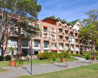 Green Sea Apart Hotel - Pinamar - Building