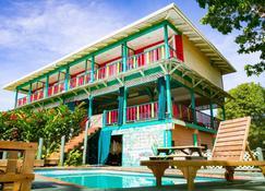 Los Secretos Guest House - Isla Bastimentos - Building